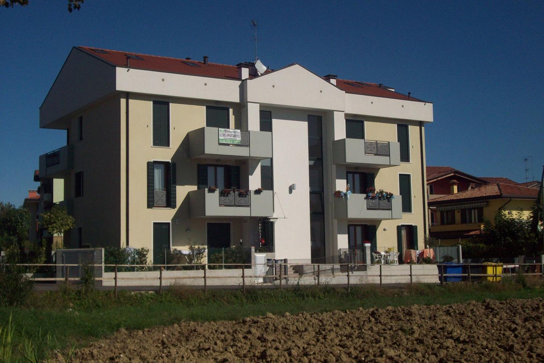 Bioedil immobiliare srl quarto d 39 altino ve italia for Piani di garage distaccati viventi del sud